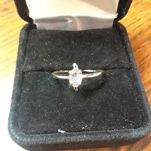 Jewelry - Nwot ladies size 8 ring